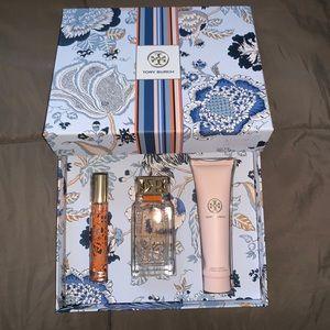 💥SALE💥 Tory Burch Gift Set